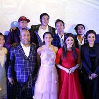 Selain itu, secara khusus Indro juga mengucapkan syukur pada para penggemar dan rumah produksi, falcon. Rasa haru juga dirasakan Indro saat galapremiere di Surabaya. (Nurwahyunan/Bintang.com)