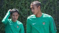 Evan Dimas berbagi kamar dengan sesama eks Timnas U-19, Hansamu Yama Pranata, dalam masa karatina singkat di Solo. (Bola.com/Vitalis Yogi Trisna)