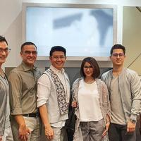 Mike Lewis, Ferdi Hasan, Danny Satriadim Novita Angie, Nino Fernandez, dan Dave Hendrik, saat peluncuran 999.9 di Optik Seis, Grand Indonesia (23/7/2019).