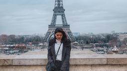 Tak jarang, Vindy diajak travelling ke luar negeri bersama keluarga Ashanty. Salah satunya, dia dan keluarga Ashanty berlibur ke Paris. (Liputan6.com/IG/@vindykagiselle)