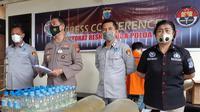 Kabid Humas Polda Sulut Kombes Pol Jules Abraham Abast saat jumpa pers di Mapolda Sulut, Jumat (21/5/2021).