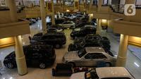 Suasana Bursa Mobil Bekas Blok M. Jakarta, Jumat (2/10/2020). Selain itu Mobil baru diwacanakan mendapat insentif pembebasan pajak hingga 0 persen, kebijakan tersebut dikhawatirkan mengganggu kelangsungan bisnis pedagang mobil bekas. (Liputan6.com/Johan Tallo)