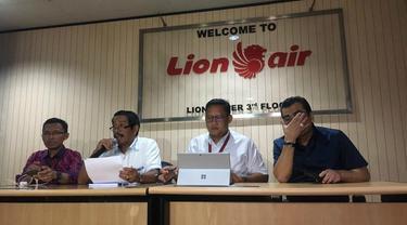 Pihak Lion Air menggelar konferensi pers mengenai laporan KNKT