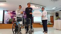 Kitabisa.com berikan 100 kursi roda kepada RSCM, Jakarta Pusat, Kamis (12/3/2020).