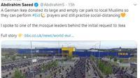 Indahnya Toleransi di Jerman, Umat Muslim Salat Id di Parkiran Ikea. (dok.Twitter @AbdirahimS/https://twitter.com/AbdirahimS/status/1265329481637658624/Henry)