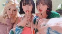 Hyoyeon, Tiffany, dan Sooyoung (Foto: Instagram/sooyoungchoi)