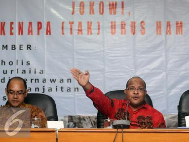 Anggota tim kerja ULMWP di Papua, Markus Haluk (tengah) menyampaikan keterangan saat diskusi di Komnas HAM, Jakarta, Jumat (4/3/2016). Diskusi membahas sejumlah pelanggaran HAM yang terjadi di Papua. (Liputan6.com/Helmi Fithriansyah)