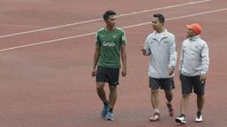 Pemain Timnas Indonesia U-23, Bagas Adi, latihan terpisah karena pemulihan cedera di Stadion Madya, Jakarta, Rabu (13/3). Latihan ini merupakan persiapan jelang Kualifikasi Piala AFC U-23. (Bola.com/Vitalis Yogi Trisna)