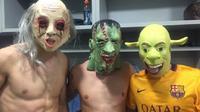 Pemain Barcelona pakai kostum seram ala pesta Halloween (101greatgoals)