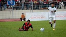 Pemain sayap Timnas Indonesia U-22, Osvaldo Ardiles Haay mengejar bola dalam laga penyisihan grup B SEA Games 2017 melawan Timor Leste di Stadion Selayang, Selangor, Minggu (20/8).Indonesia menang tipis 1-0 atas Timor Leste. (Liputan6.com/Faizal Fanani)