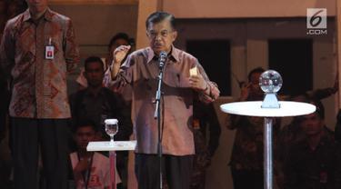 Wapres Jusuf Kalla memberikan sambutan saat meresmikan program Gerakan Nasional 1000 Startup Digital 2019 di Istora Senayan, Jakarta, Minggu (18/8/2019). (Liputan6.com/Angga Yuniar)
