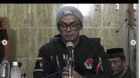 Ustaz Evie Effendi menyampaikan permintaan maaf atas pernyataannya yang dinilai menghina Nabi Muhammad SAW. (dok. Instagram @evieffendi/Dinny Mutiah)
