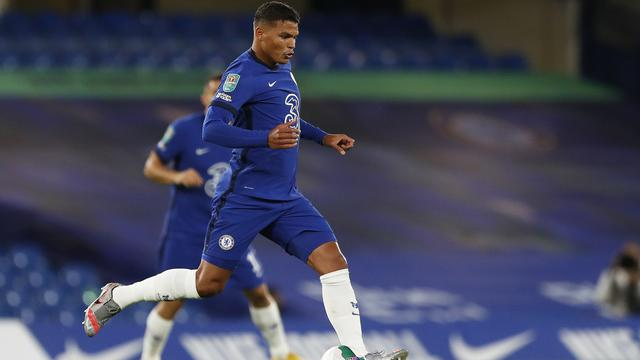 Bek Chelsea, Thiago Silva.