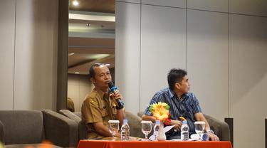 Kepala Dinas Kesehatan Provinsi Papua Barat, Otto Parorrongan menjelaskan tentang kondisi kesehatan di daerah yang dipimpinnya. (Foto: Liputan6.com/Benedikta Desideria)