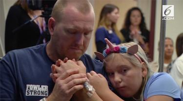 Sebuah aksi musik diselenggarakan di rumah sakit untuk menghibur korban penembakan Las Vegas.