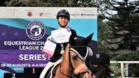 Atlet berkuda cilik, Aleeya Herlambang kembali membuktikan kemampuannya dalam Kejuaraan Equestrian Champions League (ECL) putaran 5 yang baru saja digelar akhir pekan kemarin, Minggu (30/8/2020). (Istimewa)