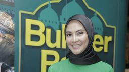 Bagi Maudy, membutuhkan proses untuk mengenakan hijab. Dirinya kerap mengenakan hijab saat Ramadan dan puasa. (Kapanlagi.com/Muhammad Akrom Sukarya)