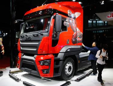 Truk Iron Man Ramaikan Pameran Auto Shanghai 2017