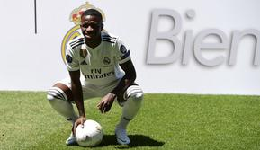 Striker Real Madrid asal Brasil, Vinicius Junior. (AFP/Pierre-Philippe Marcou)