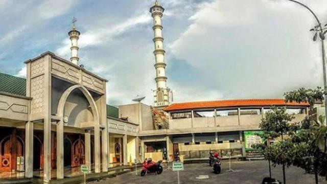 7 Wisata Religi Islam Di Lamongan Paling Hits Jadi Alternatif Rekreasi Surabaya Liputan6 Com