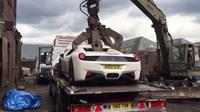Ferrari 458 Spider Dihancurkan