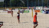 Tim voli pantai putri Indonesia memenangi babak penyisihan lawan Kazakhstan (Liputan6.com/Luthfie Febrianto)