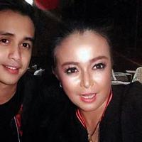 Ajun Perwira bersama Jennifer Jill Supit.