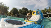 Dengan liburan ke Atlantis Water Adventure, Anda dan keluarga tak hanya mendapatkan kesenangan bermain air, namun Anda juga dibekali pula dengan acara interaktif yang mampu menambah pengalaman.