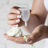 cup menstruasi/copyright: shutterstock