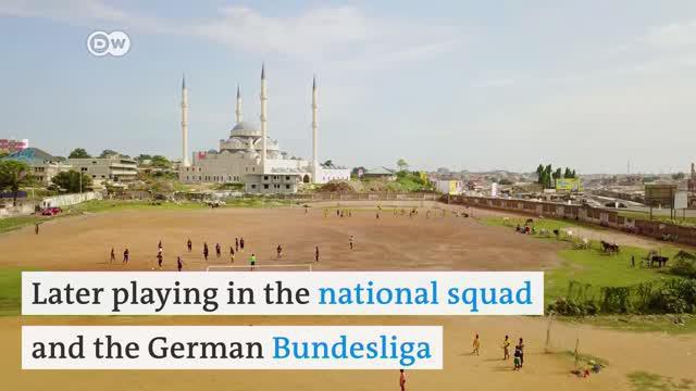 Berita video Life is a Pitch dari DW kali ini menampilkan Kawukudi, sebuah lapangan di Accra, Ghana, yang menghasilkan beberapa pemain bintang sepak bola negara tersebut.