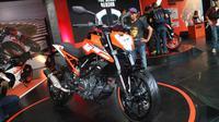 KTM Duke 250 meluncur di Jakarta Fair 2017. (Herdi Muhardi)