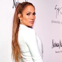 Bukan hal yang mengherankan jika selebriti papan atas  seperti Jennifer Lopez memiliki asset properti yang bernilai hingga ratusan miliar rupiah. Dengan suara emas yang sudah memiliki jam terbang tinggi, semuanya bisa diwujudkan. (AFP/John Sciulli)
