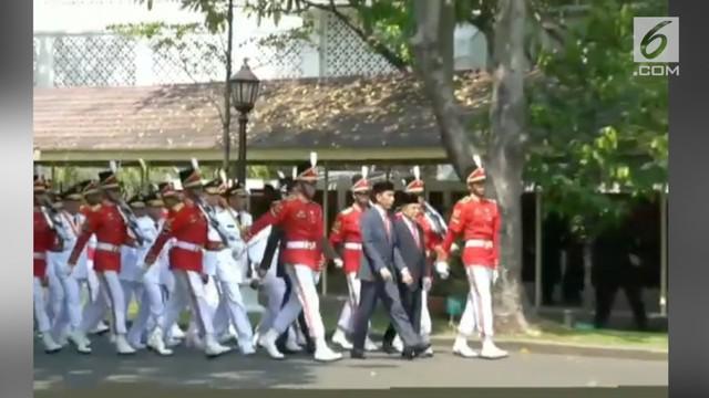 Presiden Joko Widodo atau Jokowi resmi melantik sembilan pasangan gubernur dan wakil gubernur terpilih hasil Pilkada Serentak 2018, hari ini. Pelantikan berlangsung di Istana Negara, Jakarta, pukul 10.00 WIB.