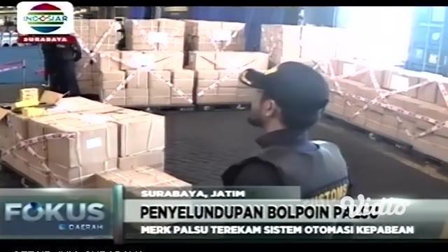 Sebanyak satu kontainer berisi 858.240 bolpoin impor disita Bea Cukai di Pelabuhan Tanjung Perak Surabaya. Penyitaan dilakukan karena bolpoin yang dipesan PT PAM dari Tiongkok itu palsu.