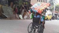 Pria ini menunjukkan bahwa keterbatasan bukanlah halangan untuk tetap berusaha