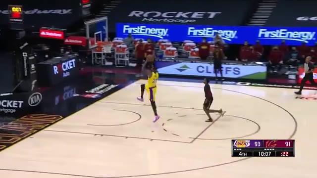 Berita video pemain terbaik NBA hari ini adalah Lebron James yang berhasil cetak 46 poin (21 di kuarter ke-4), bersama dengan 8 rebound, 6 assist dan 7 FGM tertinggi musim ini, Lakers mengalahkan Cavaliers, 115-108.