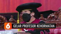 Universitas Pertahanan RI memberikan gelar Guru Besar Kehormatan, kini gelar Profesor Doktor Honoris Causa kini tersemat di depan nama Presiden Ke-5 Republik Indonesia, Megawati Soekarnoputri.