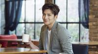 """""""Anggap saja nanti kamu sedang beristirahat selama dua tahun, namun jangan terlalu banyak makan ramen. Jangan banyak bermain games dan baca buku yang banyak,"""" pungkas Choi Tae Joon. (Instagram/jichangwook)"""