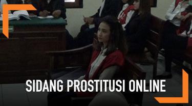 Vanessa Angel dan Avrilia Shaqilla jadi saksi sidang terdakwa 3 muncikari prostitusi online. terdakwa dan saksi meminta hakim menghadirkan pengguna jasa mereka.