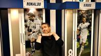 Pemeran Deadpool, Ryan Reynolds, mengunjungi markas Real Madrid. (Twitter)