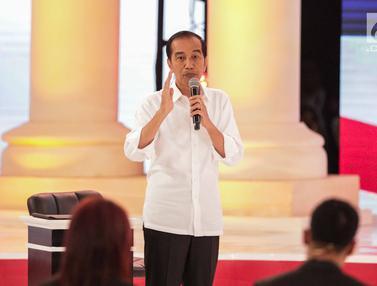 Gaya Jokowi dan Prabowo Saat Debat Kedua Capres
