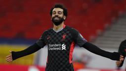 2. Mohamed Salah. Striker yang didatangkan dari AS Roma ini membela Liverpool mulai musim 2017/2018. Sebelumnya sempat bermain untuk Chelsea pada musim 2013/2014 dan 2014/2015. Hingga kini telah mencetak 118 gol dari 186 penampilannya bersama The Reds di semua ajang kompetisi. (AP/Laszlo Balogh)