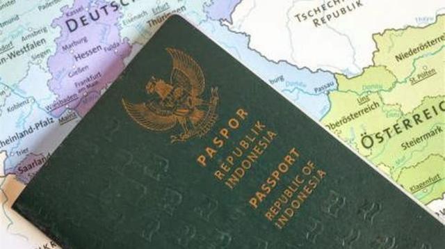 Paspor Indonesia. (Sumber Foto: ayobuka.com)