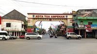 Ikon gapura kota tua Ampenan, Mataram (ari purnomo/jawapos.com)