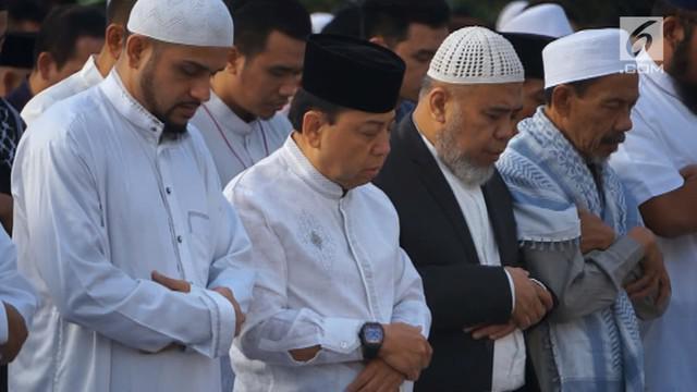 Setya Novanto, terpidana kasus korupsi e-KTP pada momen hari Raya Idul Fitri kali ini, harus merayakan di Lapas Sukamiskin, Bandung. Dan untuk pertama kalinya, Ia melaksanakan salat Idul Fitri, di lapas khusus terpidana kasus korupsi.