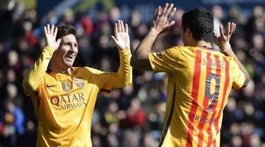 Barcelona bertandang ke Stadion Ciutat de València, kandang Levante dalam lanjutan La Liga pekan ke-22, Minggu (7/2/2016) WIB. Barca menang 2-0 lewat gol bunuh diri yang dicetak David Navarro di menit ke-21 dan Luis Suarez pada menit ke-90+2.