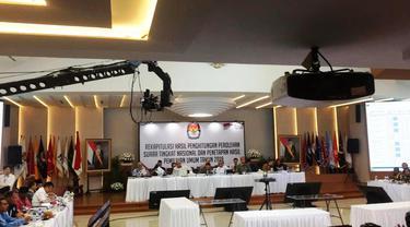 Suasana rapat pleno rekapitulasi suara di KPU, Senin (20/5/2019) malam