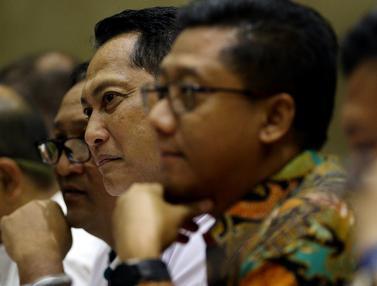 Budi Waseso Rapat Perdana dengan DPR sebagai Dirut Bulog