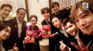 Super Junior bertemu dengan Jokowi yang disertai Ibu Negara Iriana. Mereka mengabadikan pertemuan itu mengunggah fotonya di akun Instagram.