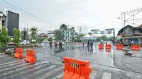 Penutupan sejumlah ruas jalan di Kota Medan dilakukan untuk mengurangi aktivitas warga di luar rumah demi mencegah penyebaran virus corona COVID-19